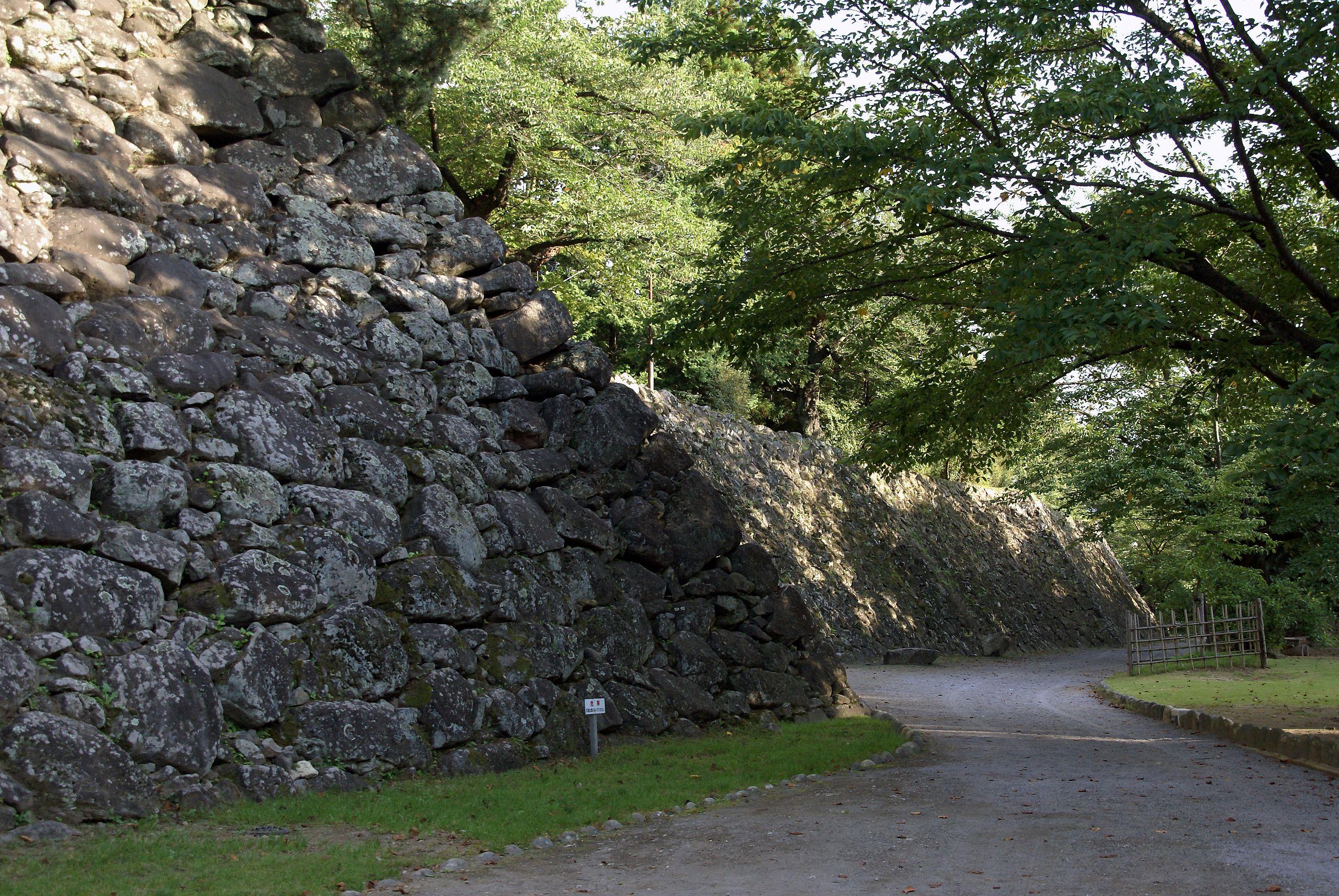 Komoro_castle04s3872